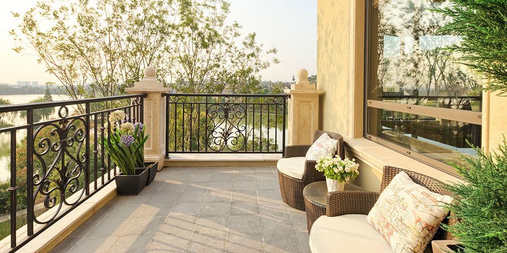 Come rinnovare il balcone in alto adige ideacasaplan - Piastrelle da balcone ...