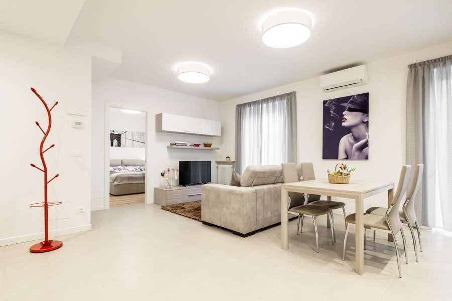 Ristrutturazione appartamento a merano bz idea casa plan for Arredare casa bianco e beige