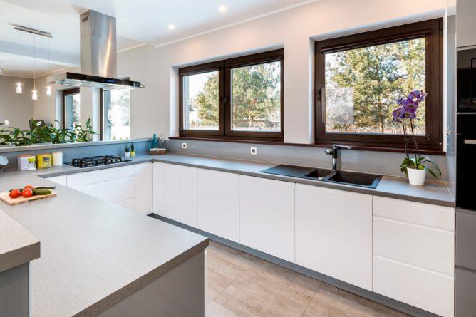 Idee e soluzioni per arredare una cucina a vista